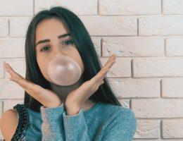 Girl_gum